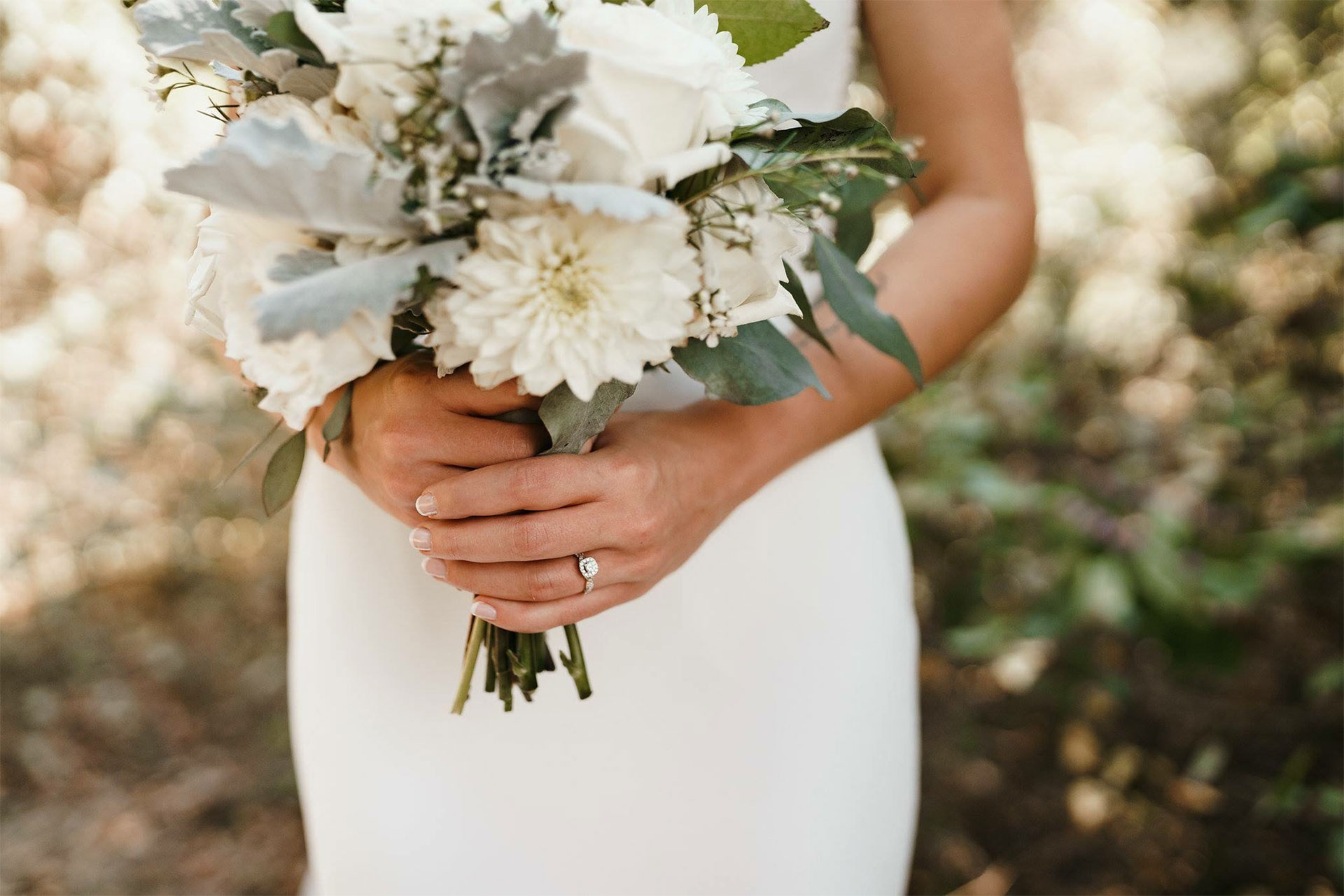 Beautiful Floral Arrangement for Wedding with White Dress