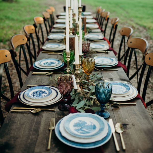 WeddingTableSetting-OakandIvyVenue-TexasWeddingVenue